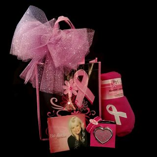 Breast_cancer_gift_bag_2